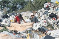 Se estima que hay 20.000 niños y adolescentes reciclando basura