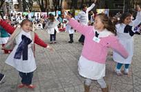 El día del medio ambiente juntó a escolares y adultos mayores